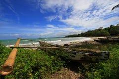 Praia tropical em Ujung Kulon Indonésia Foto de Stock