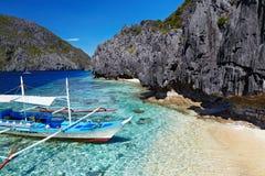 Praia tropical, Filipinas Fotos de Stock