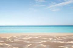 Praia tropical vazia fotografia de stock royalty free