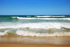 Praia vazia bonita Imagem de Stock Royalty Free