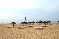Praia vazia de Portugal Foto de Stock Royalty Free