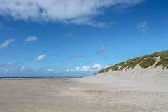 Praia vazia na costa de Vejers, Dinamarca Foto de Stock