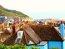 Praia velha Hastings do oceano da água do centro de cidade Fotografia de Stock Royalty Free