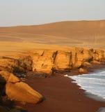 Praia vermelha, Peru fotografia de stock royalty free