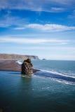 Praia vulcânica de Islândia Fotos de Stock Royalty Free