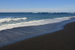 Praia vulcânica de Lanzarote imagens de stock royalty free