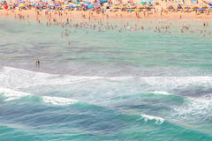 Praias bonitas da costa espanhola a andar e apreciar Fotografia de Stock Royalty Free