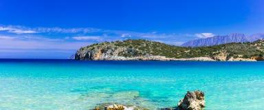Praias bonitas da ilha da Creta, baía de Istron Fotografia de Stock