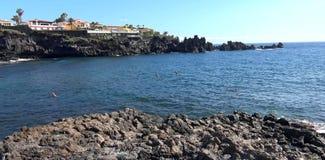 Praias bonitas da ilha de Tenerife foto de stock