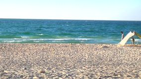 Praias do mar no Médio Oriente e no turismo interessante vídeos de arquivo
