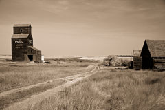 Prairie Grain Elevator on the Canadian landscape Stock Images