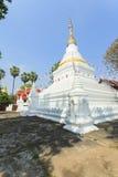 Prakaew dontaoSuchadaram tempel Royaltyfri Fotografi