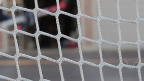 Praktiserande hockey i körbanan lager videofilmer