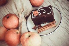 Pralina del cacao sul piatto immagini stock