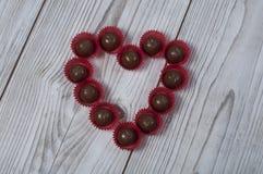 Praline de forme de coeur pour le jour du ` s de Valentine Photo libre de droits