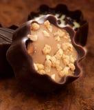 Praline del cioccolato al latte con la decorazione fotografie stock libere da diritti