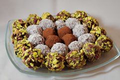 pralines тарелки шоколада Стоковые Фотографии RF