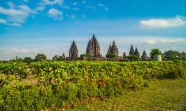Prambanan o Candi Rara Jonggrang es un compuesto del templo hindú en Java, Indonesia, dedicada al Trimurti: el creador Brahma, Fotos de archivo