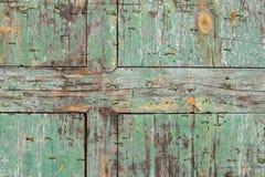 Prancha azul lascada velha da cerceta de madeira com fundo da textura dos grampos foto de stock royalty free