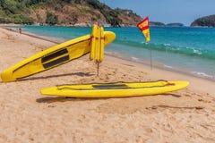 Prancha do salvamento na praia Imagem de Stock