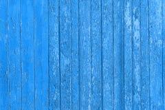 Pranchas de madeira descascadas velhas com pintura rachada da cor, painéis velhos do fundo Imagens de Stock