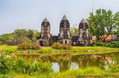 Prang Sam Yod, Lop Buri, en ciudad antigua, Samut Prakan, Tailandia imagenes de archivo