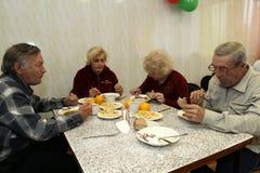 Pranzi per gli anziani Fotografie Stock Libere da Diritti