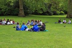 Pranzo al parco del ` s di St James Immagini Stock