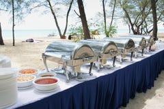 Pranzo del buffet nell'isola Immagini Stock