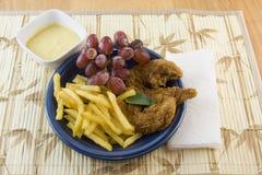 Pranzo delle barrette del pollo fotografia stock
