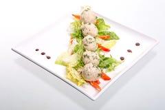 Pranzo leggero con i tortini e l'insalata del riso Fotografie Stock