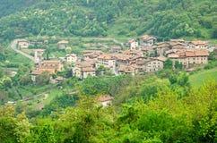 Pranzo, pueblo medieval en Trentino Foto de archivo libre de regalías