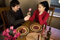 Pranzo romantico dell'indicatore luminoso della candela Immagini Stock