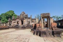 Prasat Mueang historiska Tam parkerar omkring tusen år sedan på det Buriram landskapet Thailand Royaltyfri Bild