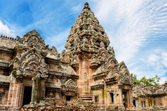 Prasat Phanom звенело, старый комплекс индусского виска Кхмер-стиля в провинции Buriram, Таиланде стоковая фотография
