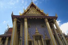 Prasat Phra Thep Bidon på Wat Phra Kaew - templet av Emerald Buddha i Bangkok, Thailand Arkivbilder