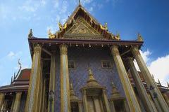 Prasat Phra Thep Bidon in Wat Phra Kaew - de Tempel van Emerald Buddha in Bangkok, Thailand Stock Afbeeldingen