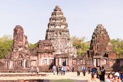 Prasat que visita Hin Phimai imagenes de archivo