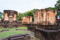 Prasat Sa Kamphaeng亚伊,大乘佛教寺庙,四色菊Wat, 库存照片