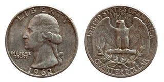 Prata de moeda do dólar de um quarto do dinheiro do Estados Unidos, 25 centavos isolados no branco imagens de stock royalty free