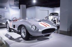 Prata e vermelho Ferrari 1957 625/250 de Testa Rossa Imagem de Stock