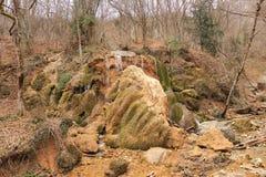 A prata flui a cachoeira em Crimeia Imagens de Stock