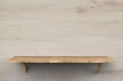 Prateleira de madeira no fundo de madeira Foto de Stock Royalty Free