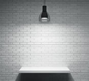 Prateleira e lâmpada Imagens de Stock