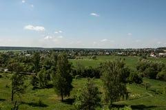 Prati degli alberi del villaggio di vista superiore Fotografia Stock Libera da Diritti
