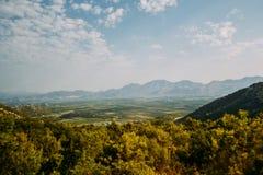 Prati e montagne verdi della Croazia Fotografie Stock Libere da Diritti