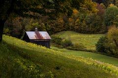 Prati fertili e granaio ad un'azienda agricola - autunno/caduta - Woodstock, Vermont Immagini Stock Libere da Diritti