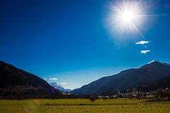 Prati verdi di Dolomiti Immagine Stock