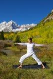 Pratica marrone rossiccio di yoga di Belhi Fotografia Stock