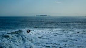 Praticando il surfing nel San Francisco Bay Fotografia Stock Libera da Diritti